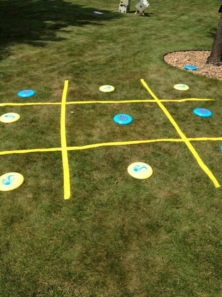 Frisbee tic-tact-toe