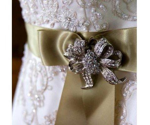 dress_pin_