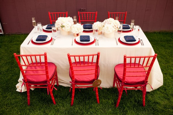 Red-White-and-Blue-Wedding-Tabletop-2-600x399