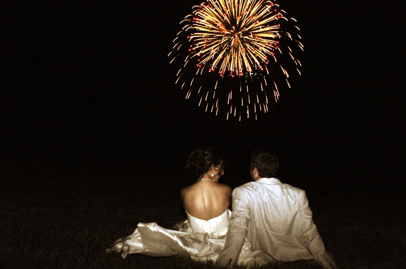 Red-White-Blue-July-4-Virginia-Wedding-Fireworks-Watching