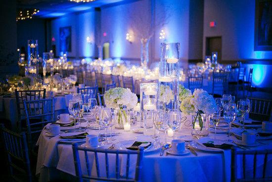 beach-wedding-reception-blue-mz7yslf7