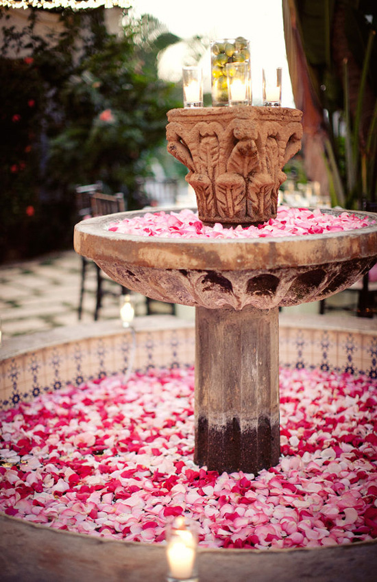 fountain-flower-decor