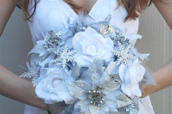 ice-blue-silver-winter-wedding-bouquet-with-snowflake