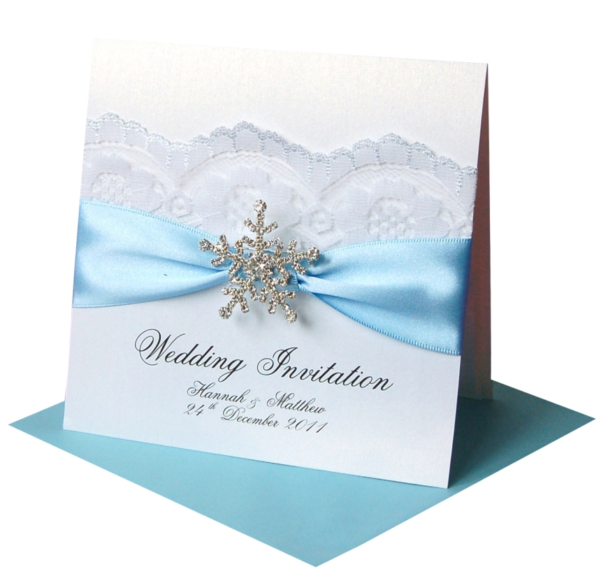 snowflake-favour-brooch-invitation_ice-blue_5-95_made-with-love