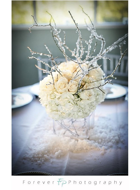 white-flower-centrepiece